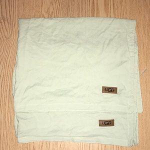 2 UGG Lite Green Standard Sham Pillowcases Soft!!